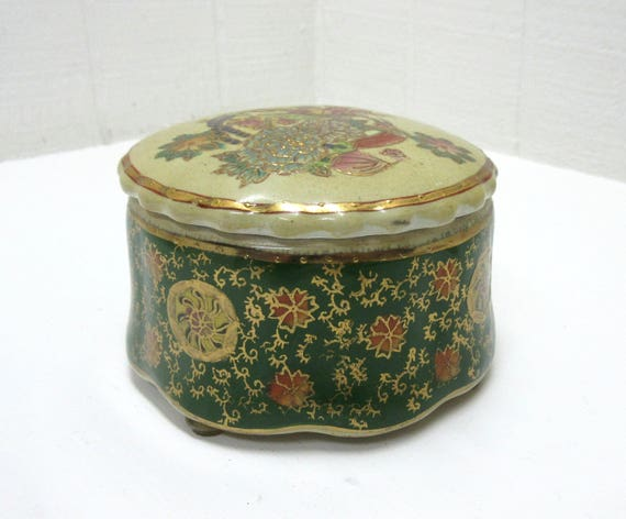 Vintage Round Ceramic Powder / Trinket / Keepsake Vanity / Dresser Box
