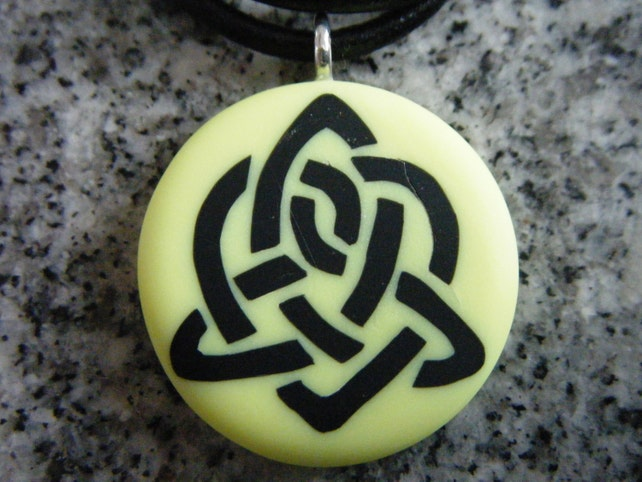 Celtic Symbol For Sisterhood Hand Carved On A Polymer Clay Etsy
