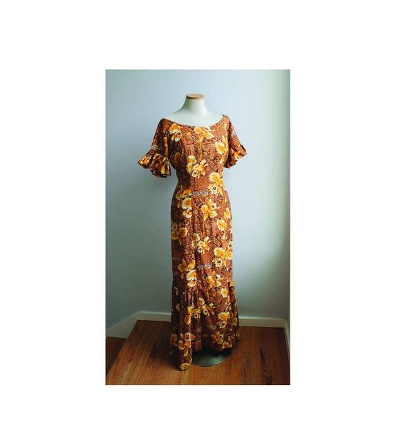 1950s Hawaiian  Dress / Mumuu // Large