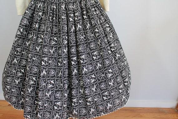 1950s Novelty Deer Print Skirt // Size XS // Folk… - image 4