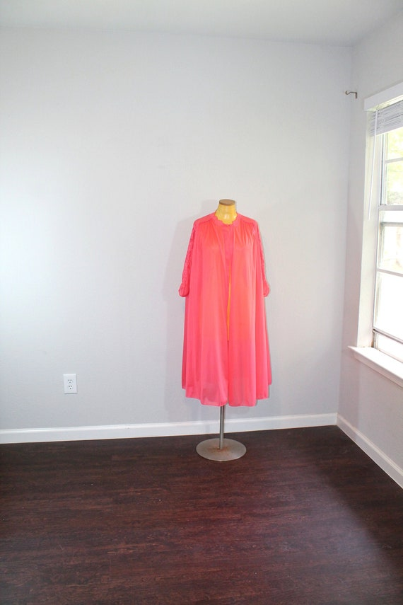 1960s Vanity Fair Short Red Robe // One Size