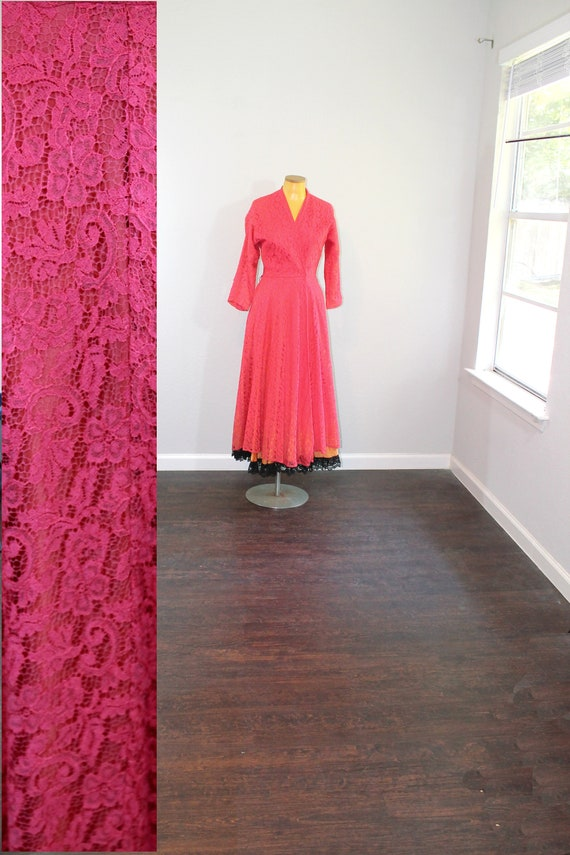 1950s Wrap Dress Red Lace // XS