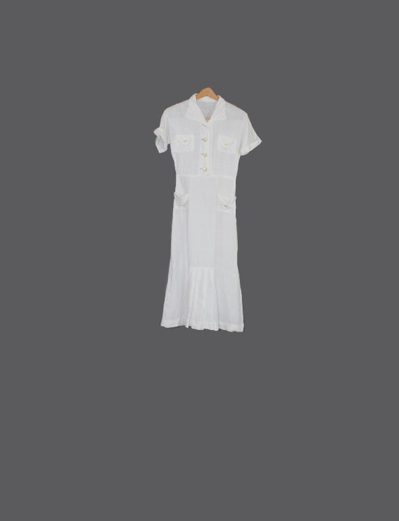 1930s White Linen Day Sport Dress with Shell Butto