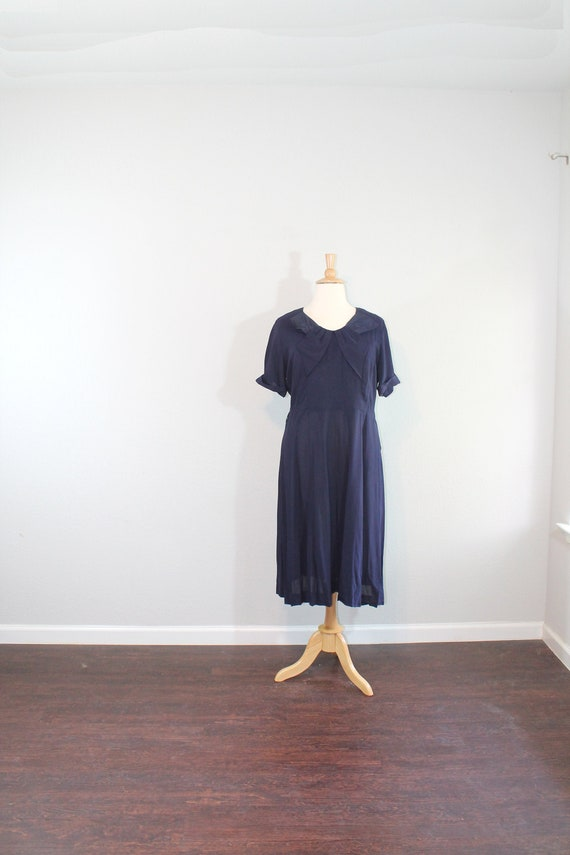 1940s Navy Cold Rayon Bow Day Dress // XXL