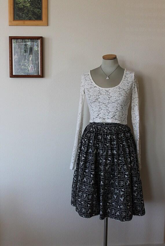 1950s Novelty Deer Print Skirt // Size XS // Folk… - image 5