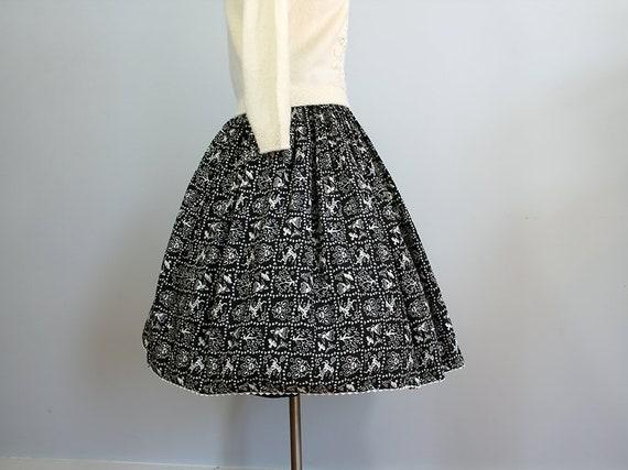 1950s Novelty Deer Print Skirt // Size XS // Folk… - image 1