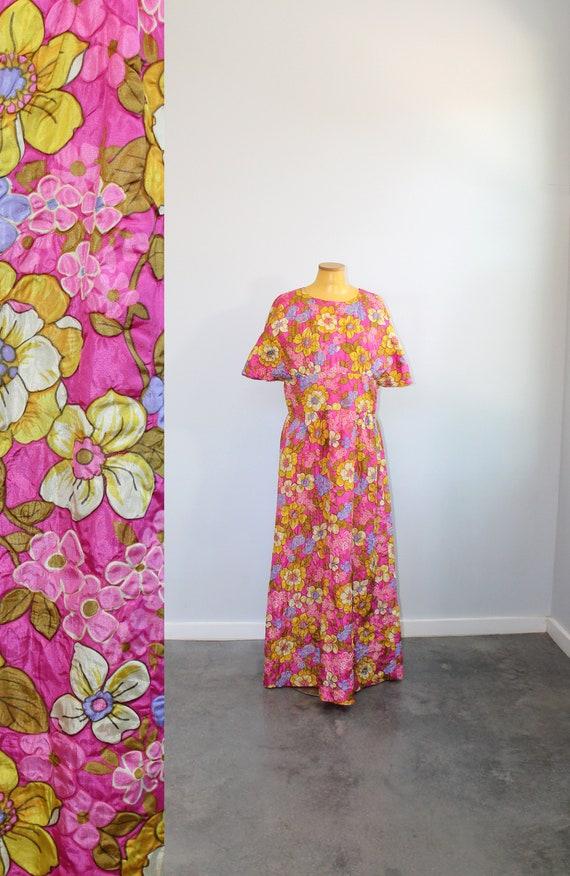 1960s Floor Length Flower Dress // Extra Large