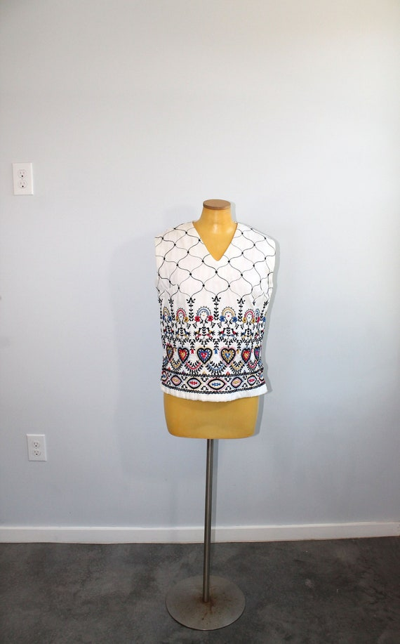 1960s White Folk Embroidered Quilted Sleeveless Bl