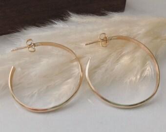 Gold Hoop Earrings // 14k Gold Filled Earrings, Medium Gold Hoops, Everyday Earrings, Gold Minimal Earrings, Simple Hoop Earrings, 14k Gold