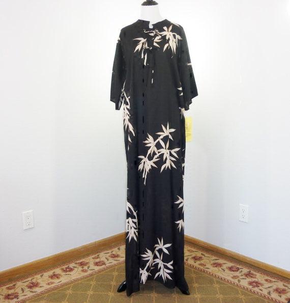 The Polynesian Village Shop Floor Length Dress Tag