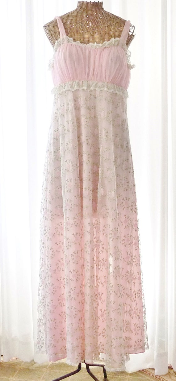 Virginia Wallace Embroidered Chiffon Robe Nightgo… - image 9