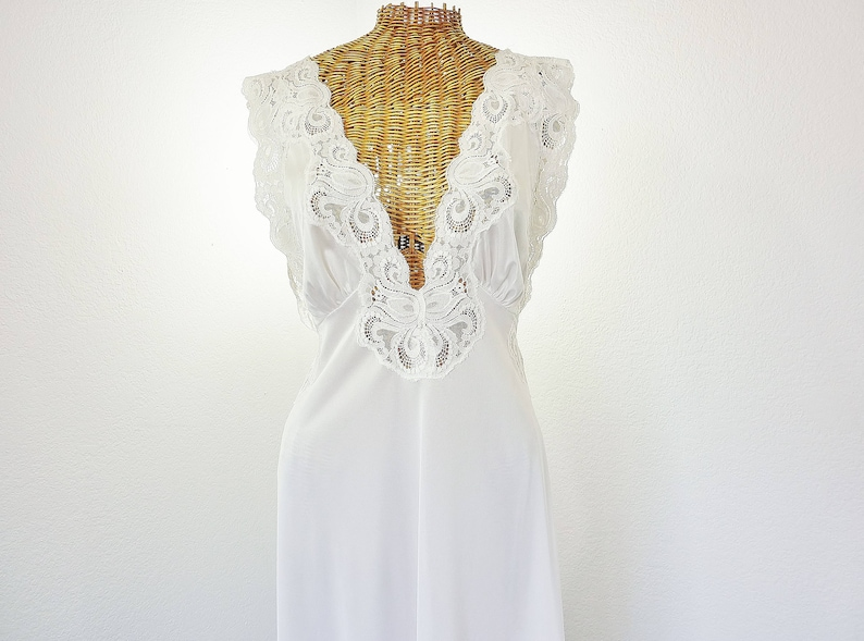 0c6e3a5540a Lily Of France Bridal White Long Nightgown New Size Large