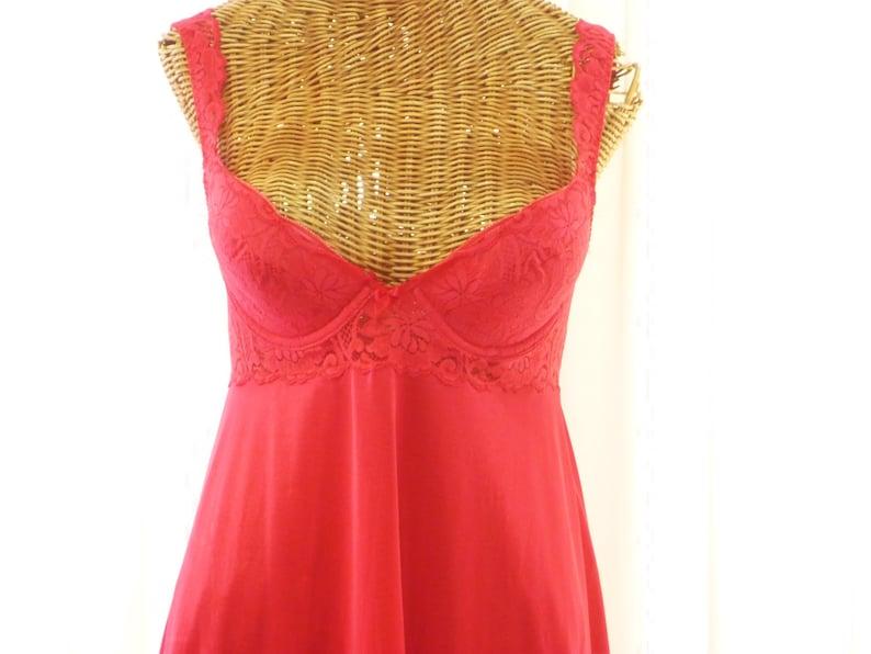 78bbd81c025 Vintage Olga Nightgown Padded Underwire Bra Cups Red Unworn