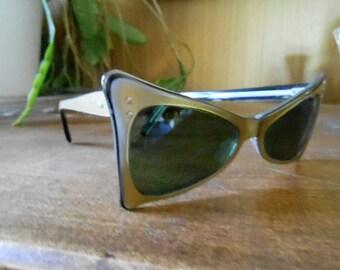 Fabulous pair of Vintage 1950's Bombshell  Atomic Sun Glasses made in France