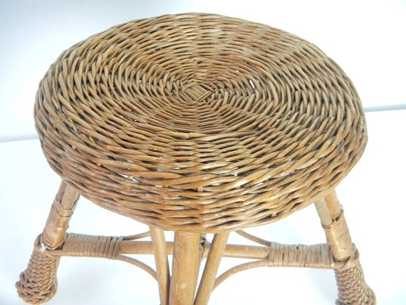 Fantastic Vintage Round Straw Wicker Foot Stool Childs Seat Gamerscity Chair Design For Home Gamerscityorg