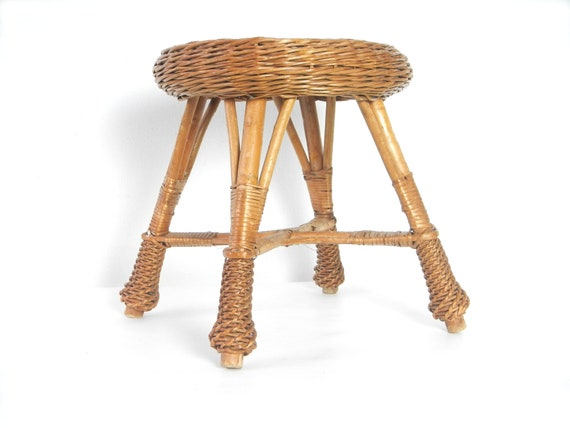 Enjoyable Vintage Round Straw Wicker Foot Stool Childs Seat Gamerscity Chair Design For Home Gamerscityorg