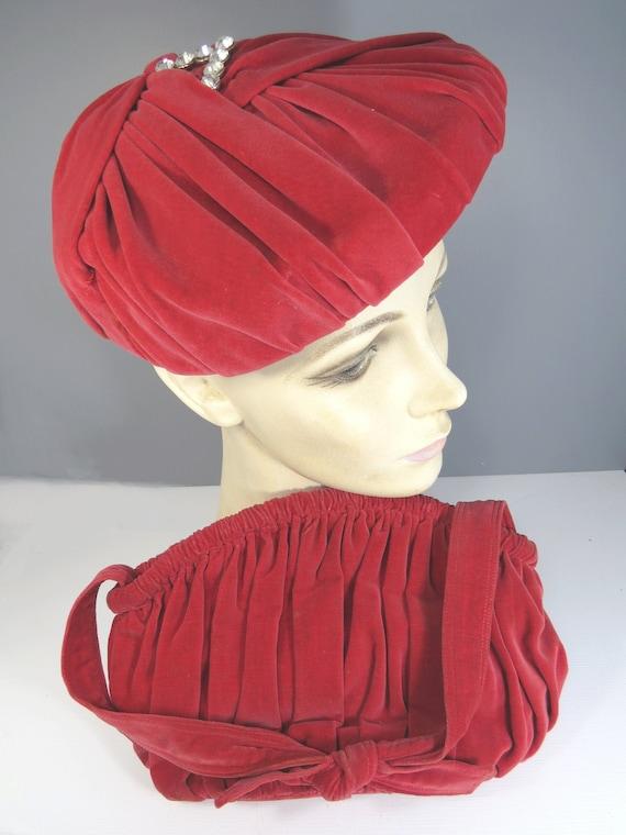 Sea Shell Calot Tilt Hat & Matching Purse, Red Ora
