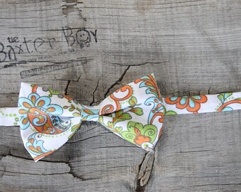 READY TO SHIP ---- Spunky Paisley little boy bow tie - photo prop, wedding, ring bearer, accessory