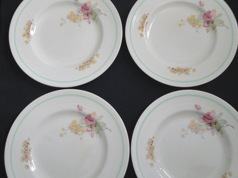 4 Vintage Wood /& Sons 10 Dinner Plates PICARDY ROSE Ivory Ware