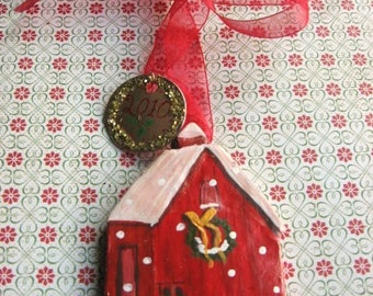 House ornaments, little red barn