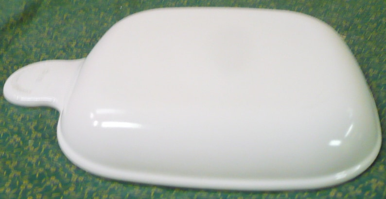Sandwich Plate P 185 B Corning 6 Inch Read Below May Have Slight Wear Marks- No Chips Or Cracks Grab It