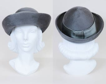 4665d4b6da9 Vintage 70s Hat   1970s Gray Fuzzy Lambswool Fur Bowler Hat S M