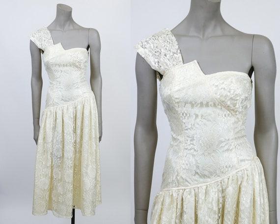 Vintage 80s Dress / 1980s Cream Lace Asymmetrical