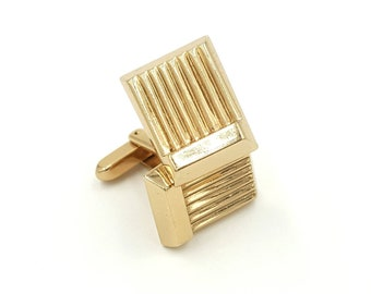 Vintage Geometric Cufflinks in Gold Signed Hickok