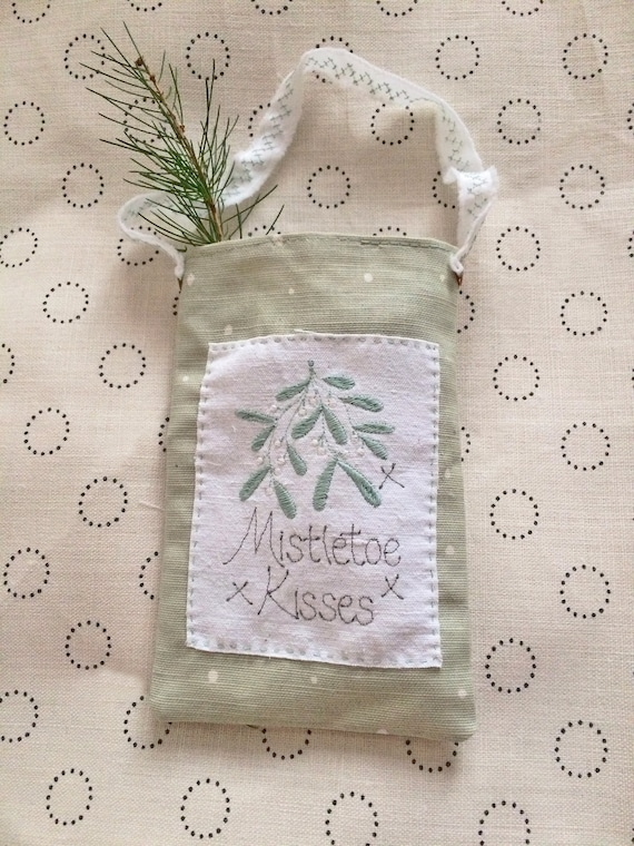 Mistletoe Kisses, Fragrance pouch, Embroidered words