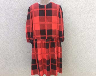 Vintage 70s Black and Red Plaid Dress, 90s Long Sleeved Dress, 90s Women's Clothing, 90s Grunge, Grunge Dress, Plaid Jumper