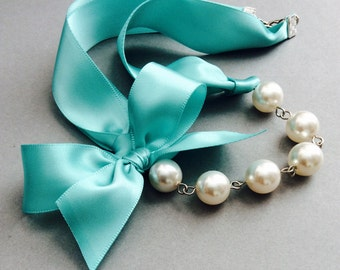 pearl necklace | pearl ribbon | beach wedding | destination | bridesmaids | shabby | chic | large pearl | statement | ocean | blue green