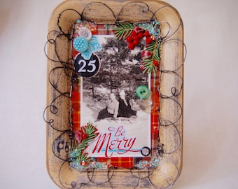 Be Merry: Holiday Assemblage (vintage tray, photo, and buttons)