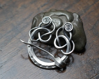 Small Silver Knotwork Pennanular Brooch. Hand forged solid sterling silver Viking, scarf brooch for knitted or loosely woven cloth