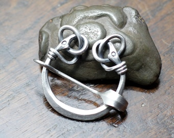 Small Silver Viking Twin Raven Pennanular Brooch. Hand forged solid sterling silver shawl pin, scarf brooch for knit or loosely woven cloth