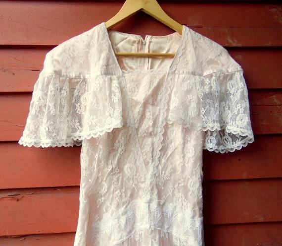 80s Peachy Pink Lace Gunne Sax Cape Sleeve Boho S… - image 1