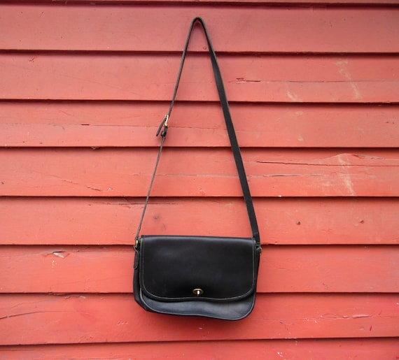 80afe49da897 Vintage Coach Black Leather City Bag Designer Shoulder Purse