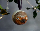 Christmas Robin hanging tree decoration. Robin ornament, bird decoration, bird art, gift for a bird lover. Christmas gift for a loved one.