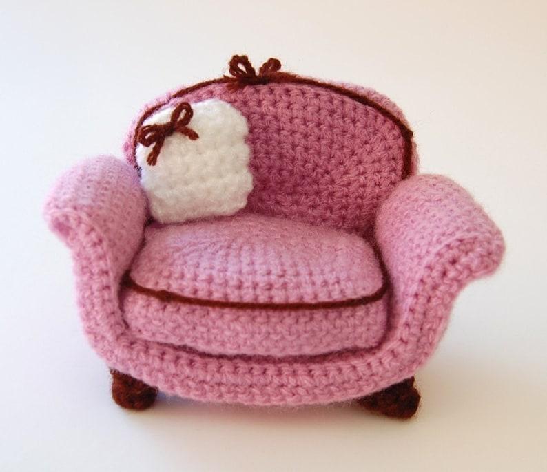 crochet pattern  armchair image 0