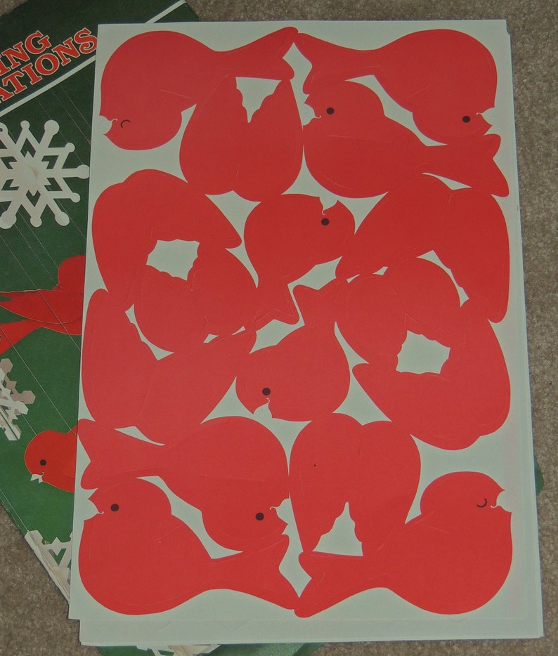 1982 Hallmark Red Birds and Snowflakes paper Hanging Decoration Intact in package
