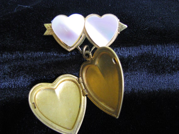 """A  Heart-Locket-Brooch, for """"Mother""""  Hand Painte… - image 2"""
