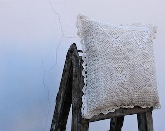 Dentelle de housses de coussin au crochet dans les coins 16'' x 16'', des coussins, style Boho, cadeau pour maman, cadeau de Pâques