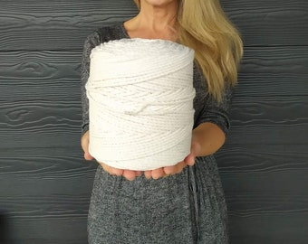 1.5 kg cotton rope (410 metres)  - 3 mm diameter, twisted Cord for Macrame, knitting and crochet projects, Christmas gift