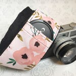 DSLR Minky Camera Strap, Padded with Lens Cap Pocket, Nikon, Canon, DSLR Photography, Photographer Gift,  - Poppy with Black