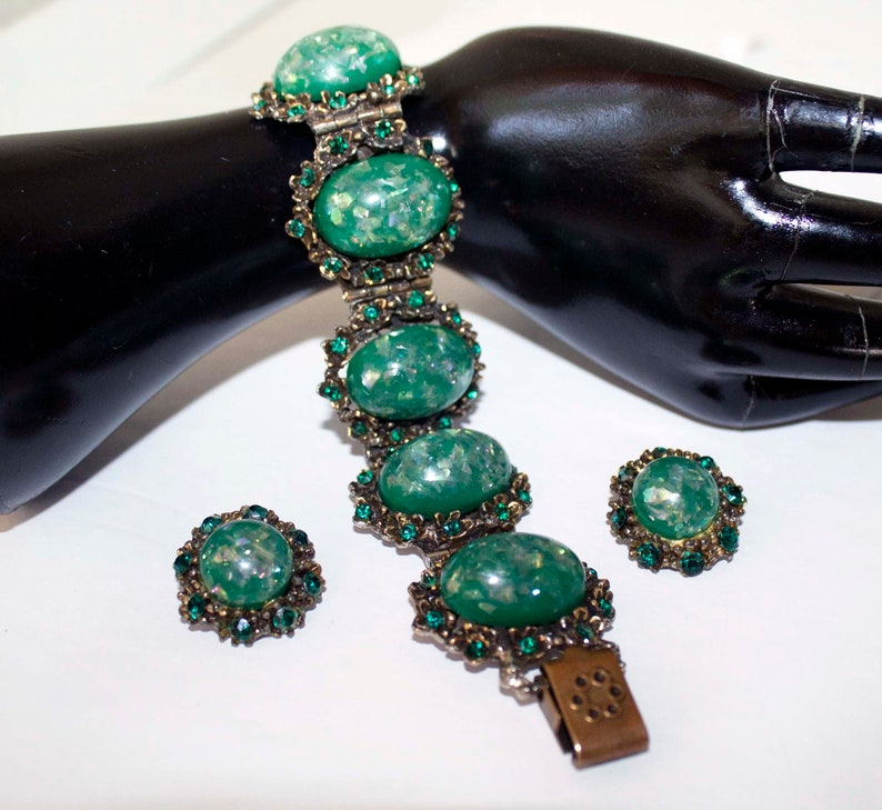 Chunky Green Iridescent Confetti Cabochon and Emerald Rhinestone Six-Link Vintage Bracelet and Clip-On Earring Demi