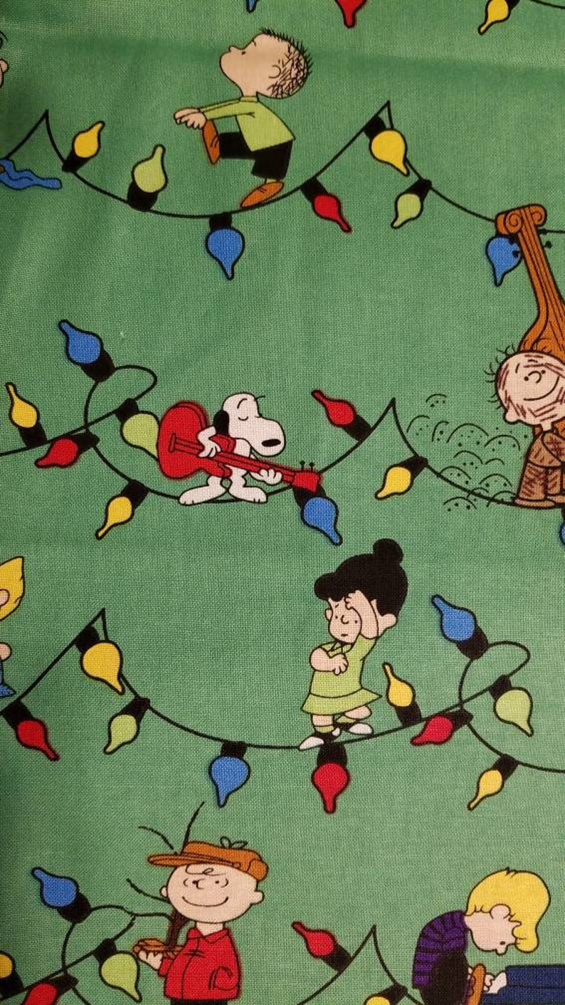 100/% COTTON FABRIC PEANUTS GANG CHRISTMAS STAMPS