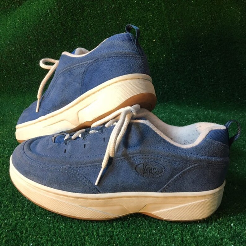 a671cb3462e SZ 9 90s Vintage Vans Suede Skate   Skater Shoes   Sneakers in