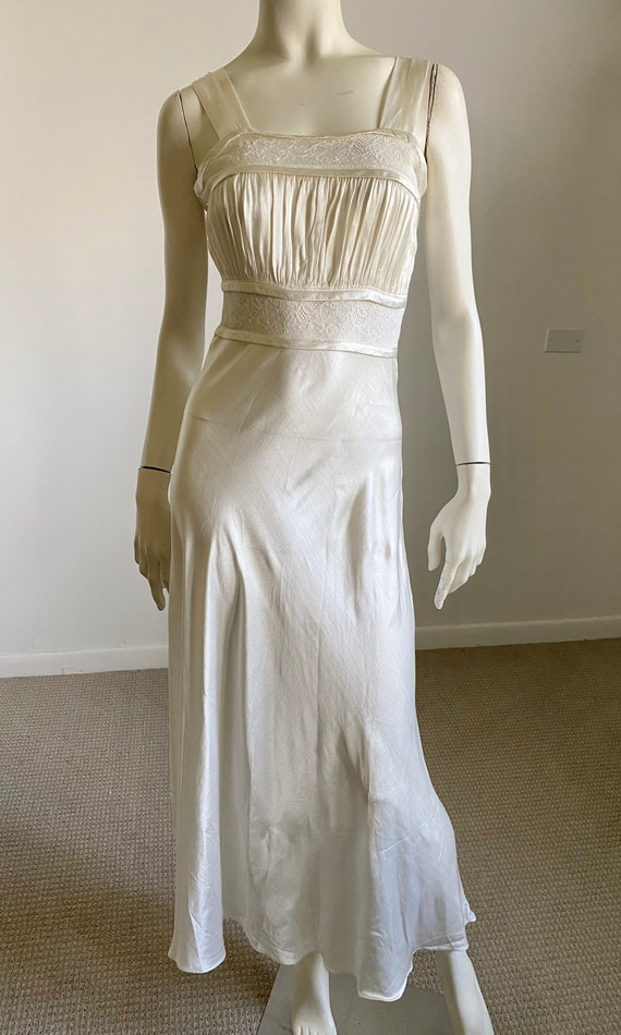 40's 50's White Satiny Silky Night Gown Lingerie