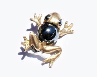 Vintage 10k Yellow Gold Figural Frog Brooch set with faceted Hematite