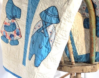 Dutch Boy Dutch Girl Quilt, Vintage 1930s Dutch Dolls Quilt, Overall Sam Sunbonnet Sue Blue Quilt Blanket