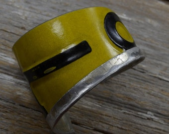 Vintage License Plates, Fold Down The Top, Get a Lot of Swank. In yellow and black.  Vintage Plate Cuff.  By ReaganJuel: License15